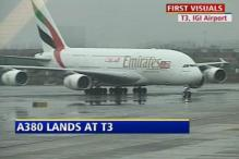 Emirates' A-380 makes history, lands in Delhi