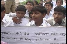 School kids protest against plastic bags