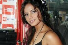 Neetu Chandra V/s Veena Malik in Bigg Boss?