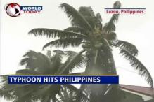Strongest typhoon in years hits Philippines coast