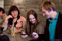 Foursquare adds comment, photos