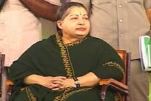 Jayalalithaa appeals to Naidu to give up fast