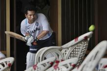 Mentor Achrekar wants Tendulkar to win WC