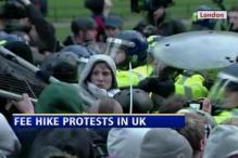 UK: student protesters attack Prince Charles' car