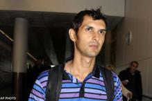 Runaway glovesman Haider returns to Pakistan