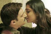 Mahie Gill's explosive scenes in 'Sahib Biwi aur Gangster'