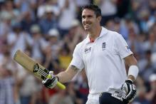 Pietersen, teammates enjoy Ganges cruise