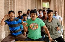 First Look: '3 Idiots' gets Tamil remake 'Nanban'