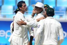 2nd Test: Pak dominate proceedings on Day 1