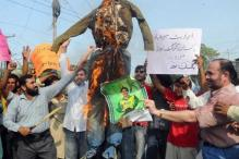 Protesters vent anger on spot-fixing trio