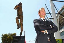Shane Warne unveils 300kg statue at MCG
