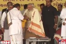 Modi fasts in Godhra, six activists arrested