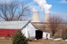 US nuclear reactor loses power, venting steam