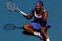 Aus Open: Serena, Djokovic win, Roddick withdraws