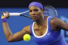 Serena powers into Australian Open fourth round