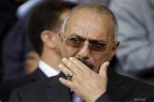 Yemen's Saleh leaves for US, opponents protest