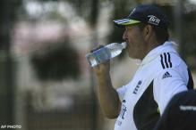 Eng hires Gooch as full-time batting coach
