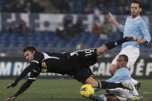 10-man Lazio fight back to beat Cesena 3-2