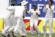 Pakistan win third Test, sweep series