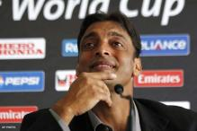Shoaib Akhtar survives car crash