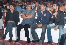Salman Khan charms guests at the IBN7 Super Idols Awards