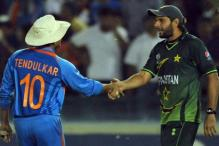 India meet Pakistan in battle of survival