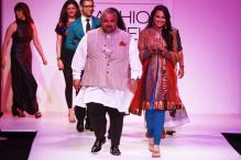 Sonakshi Sinha walks as LFW show stopper