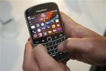 Resolve BlackBerry issue soon: Parl Panel