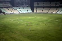 Unruly crowd causes damage at new Pune stadium