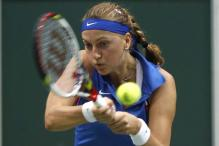 Czech Republic lead Italy in Fed Cup semi-final