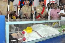 Thousands bid tearful adieu to T Damodaran