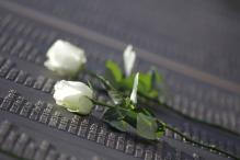 Titanic's dead mourned 100 years later