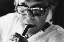 Mrinal Sen turns 90, says he has not yet retired