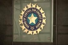 BCCI gives cheques to 20 former cricketers