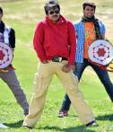Dabangg in Telugu: A rustic Shruti Haasan in Gabbar Singh