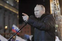 Putin puts Medvedev in charge of ruling party