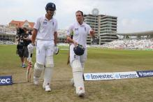 Strauss and Cook partnership joins 5,000 club