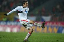 Rosicky injury scare for Czech Republic