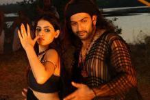 Vidya Balan sizzles in Tamil period film 'Urumi'