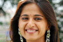 Anushka Shetty does a cameo in Karthi's 'Saguni'