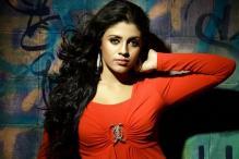 Actress Iniya is Bachchan's choice