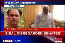IIT faculty upset with Sibal, wants PM to intervene