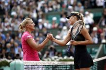 Sharapova moves to French Open semifinals