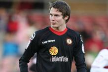 Man Utd sign Crewe wonder-kid Nick Powell