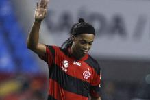 Ronaldinho signs with Atletico Mineiro