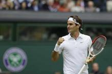 Federer books a place in Wimbledon quarters