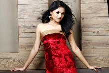 Sunaina plays the lead in 'Pandi Oliperukki Nilayam'
