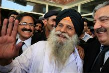 Punjab gives Rs 5 lakh to Surjeet Singh as aid