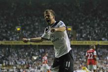 Spurs' van der Vaart ends transfer speculation