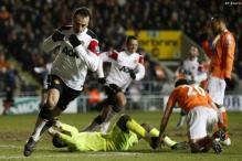 Fulham confirm Berbatov signing from United